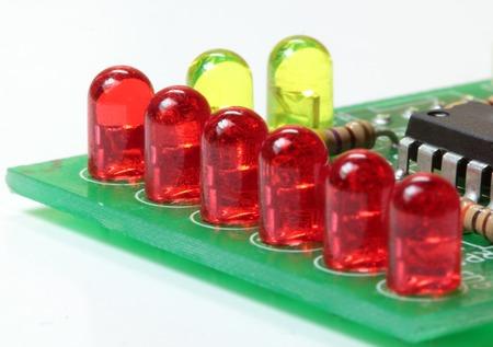 leds: El circuito impreso a bordo con LEDs  Foto de archivo