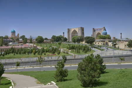 Samarkand, Uzbekistan - July 03, 2014: Bibi-Khanum monument 1399-1404 years in Samarkand, the Grand mosque of Tamerlane, richly decorated with tiles, carved marble and paintings. Редакционное
