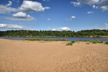 Warm sand on the banks of the river Vyatka. The beauty of Russian nature. Фото со стока - 62946888