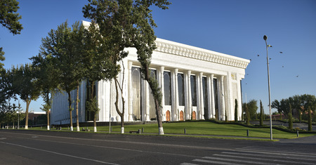 Palace of international forums Uzbekistan was developed in the competence group of an architect Hippolyte Fleyts. Built in Tashkent in the center, it does not matter the countrys home building. Meetings of heads of state, various congresses, conference