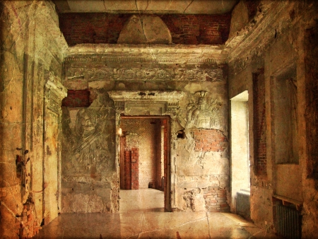ramshackle: Interior of an old Palace  Ruines of a castle  grunge and retro style  Stock Photo