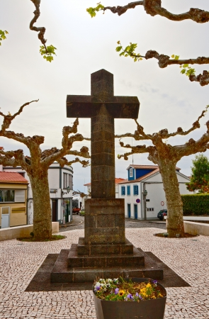 monumental: The monumental cross on the square in Lajes do Pico Stock Photo