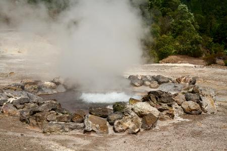 fumarole: Fumarole aguas termales en la isla de Sao Miguel, Azores