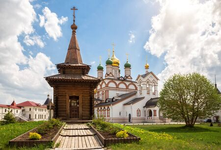Wooden chapel of St. Sergius of Radonezh in front of the cathedral of St. Sergius of Radonezh in the Trinity-Varnitsky Monastery. Village of Varnitsa, Rostov the Great, Russia 写真素材 - 134720595