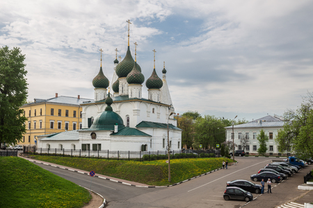 YAROSLAVL, RUSSIA - MAY 13, 2019: Church of the Transfiguration of the Savior on the city built in 1672. 報道画像