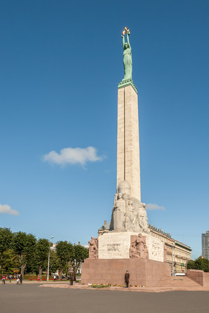 RIGA, LATVIA - SEPTEMBER 01, 2014: Freedom Monument in Riga in memory of the fighters for independence of Latvia 報道画像