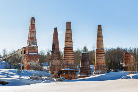 Lime kilns at an abandoned marble and lime plant in Ruskeala, Karelia 免版税图像