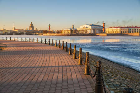 Embankment of the Hare Island near Peter and Paul Fortress overlooking the Spit of Vasilievsky Island, Palace Bridge, St. Isaac Cathedral and Admiralty. Focus in foreground 新闻类图片