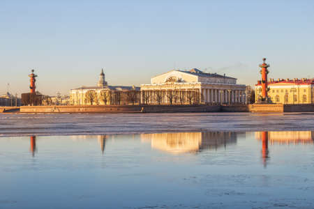 Morning in St. Petersburg, view of the Spit of Vasilievsky Island 新闻类图片