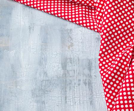 lunares rojos: Fondo del crujido con lunares rojo textil Foto de archivo