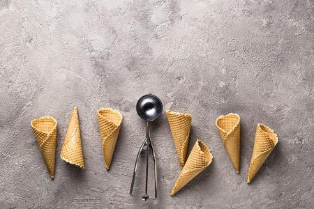 Scoop and empty waffle cones for ice cream 版權商用圖片