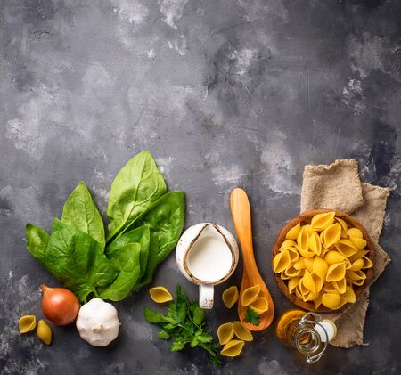 Ingredients for cooking pasta with spinach Stock fotó - 129267197