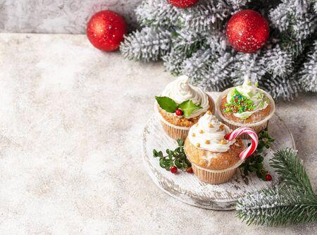 Christmas festive cupcake with different decorations Zdjęcie Seryjne
