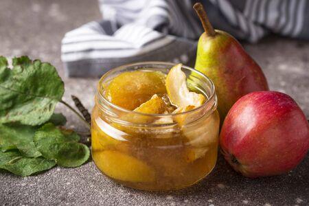 Apple jam in glass jar Zdjęcie Seryjne