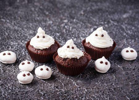 Cupcake in shape of ghost Stock fotó