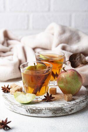 Cidre de pomme épicé, boisson d'automne Banque d'images