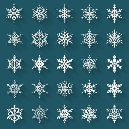 copo de nieve: copos de nieve planas. Iconos aislados en un fondo azul. Conjunto de 25 símbolos blancos con largas sombras. Elementos de diferentes formas para su diseño. Ilustración del vector.