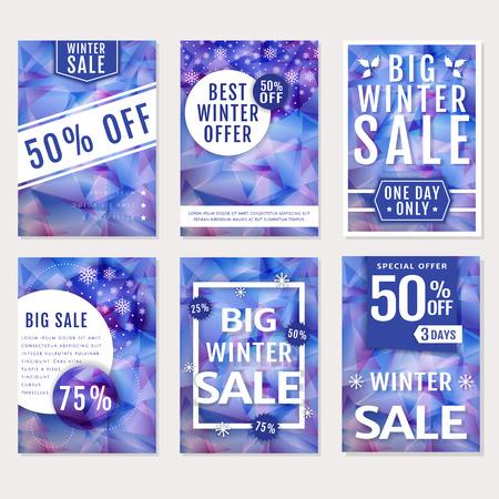 nowy rok: Zima sprzedaży i rabaty! Zestaw sezonowych reklamowych banerów, ulotek i plakatów. Szablony z wielokątnych środowisk w fioletowych i białych kolorach. Wektor zbioru.