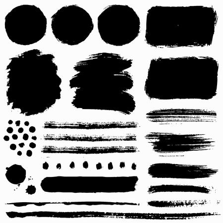 Pociągnięcia pędzlem i grunge plamy na białym tle. Czarne elementy projektu wektorowego dla tekstury pędzla, ramki, tła, banera lub pola tekstowego. Kolekcja rysunków odręcznych. Ilustracje wektorowe