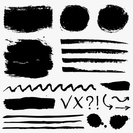 Pennellate di vernice, macchie di grunge e simboli isolati su sfondo bianco. Elementi di disegno vettoriale nero per texture pennello, cornice, sfondo, banner o casella di testo. Collezione di disegni a mano libera.
