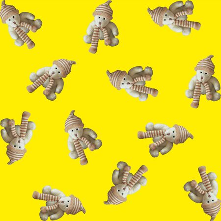 Seamless pattern, toy teddy bear on a yellow background. Square. Stockfoto - 130738456