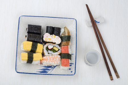 tekka: Varieties of sushi set on a plate