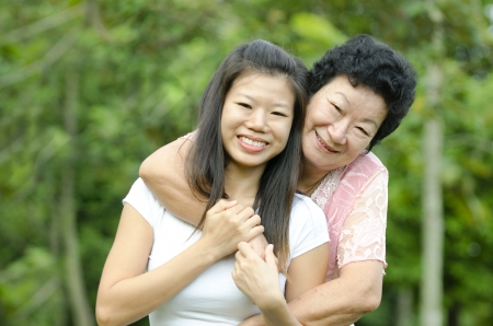 daugther: Portrait of asian mother and daugther