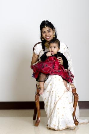 muslim baby girl: india motherand daughter