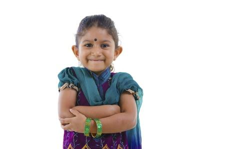 niño orando: Linda niña india, fondo blanco