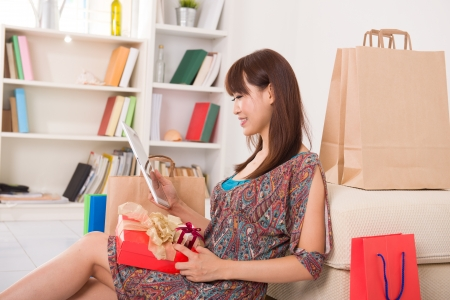 Chinese female online shopping Stock Photo - 16790777