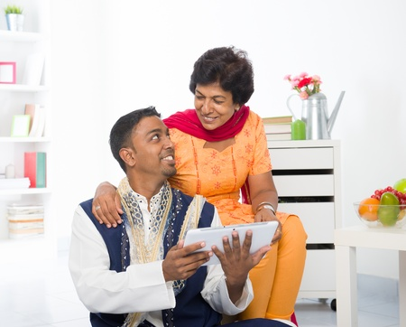 salwar: indian family lifestyle surfing the Internet