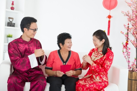 ang: chinese new year family with good luck wishes
