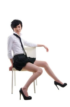 falda corta: punky coreano joven muchacha asiática sentada