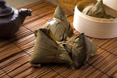 chinese dumplings, zongzi meestal genomen tijdens het festival ter gelegenheid