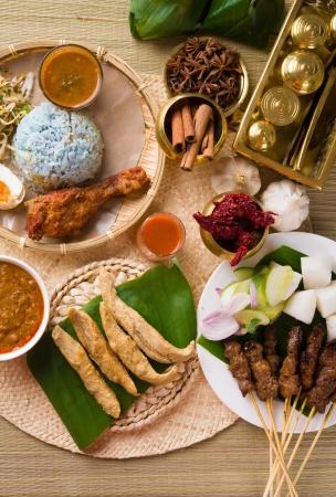 ラマダンは、ハリラヤの様々 な人気のあるマレーシア食品 写真素材