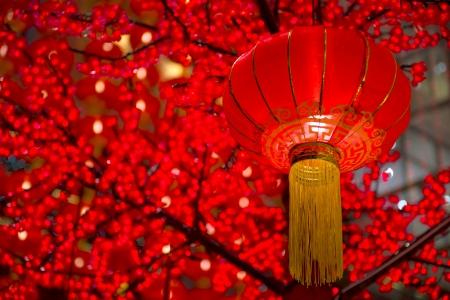 머릿 단에 걸려 중국 신년 laterns의 세부 사항