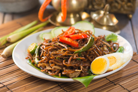 mie goreng, mi goreng, indonesian fried noodles   photo