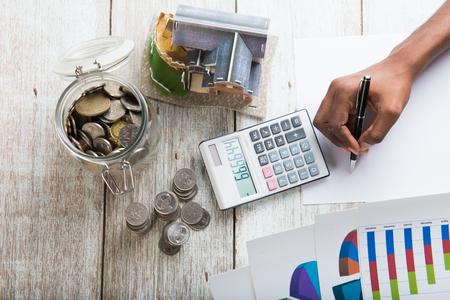 Ręce liczące Home Mortgage concept photo