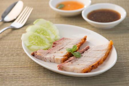 belly pepper: Crispy roasted pork belly