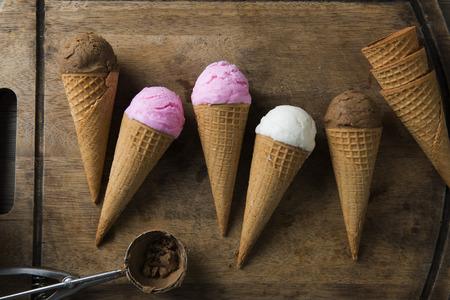 準備と様々 なアイスクリーム