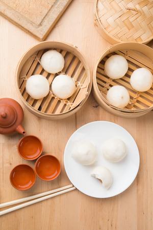 chinesisch essen: bao , chinese food top down view