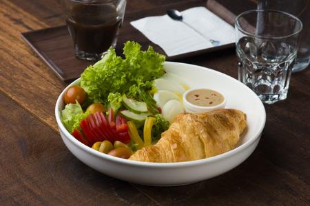 croissant breakfast Stock Photo - 97571825