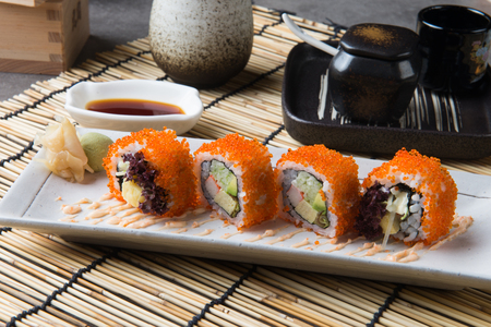 California Maki Sushi with Masago Stockfoto