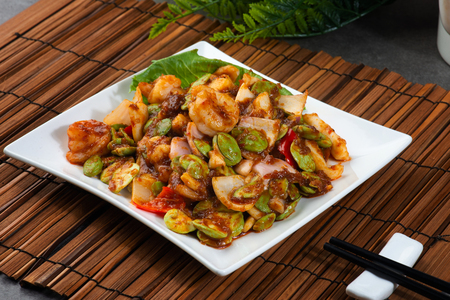 Petai dish with shrimp, sambal and chilli 免版税图像