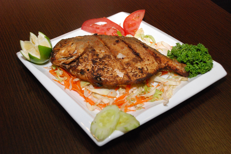 fish plate Imagens