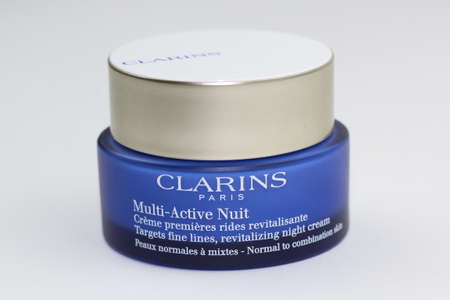 Clarins Multi-Active Creme Nuit Normal Skin 에디토리얼
