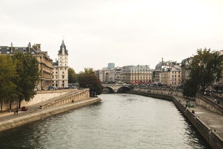 ile de la cite: Pont des arts in Paris