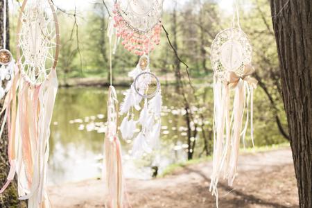 Decoración de la boda en el estilo boho: atrapasueños