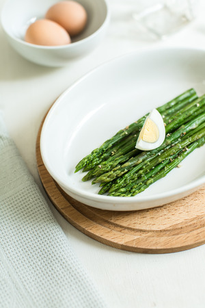 poached: asparagus with poached egg Stock Photo