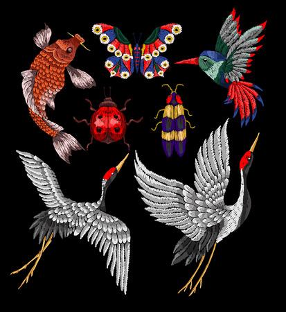 Lieveheersbeestje, vlinder, kever, kraan, borduurwerkpatches van de kolibrie. Stickers borduren voor textielontwerp.